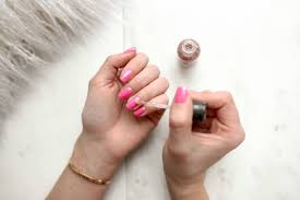 dip vs gel vs acrylic nails pros and