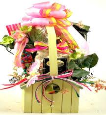 sweet tweets birdhouse gift basket