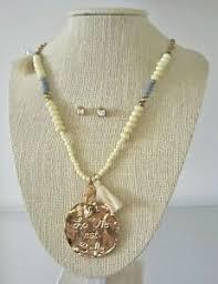la vie est belle necklace earring set