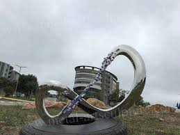 circle design large outdoor statues