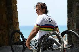 BMW, Alex Zanardi, the star of the campaign #InsiemePerRipartire ...