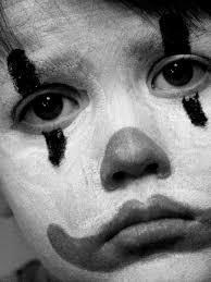 صور شاب حزين شباب الحزن باين في عيونهم صور حب