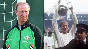 Jack Charlton: How football legend captured hearts on both sides of the  Irish Sea | UK News | Sky News