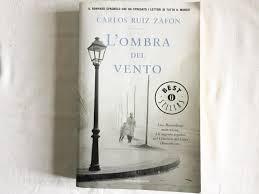 L'ombra del vento da Ruiz Zafon, Carlos: Buone, lievi segni di ...