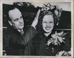 1949 Foto de prensa Mary IVA Campbell coronada reina de Drake relés por H  Harmon   eBay