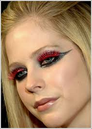 what the avril lavigne makeup