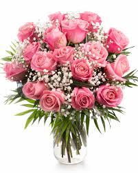 Buchet cu trandafiri roz şi gypsophila | Magnolia.ro