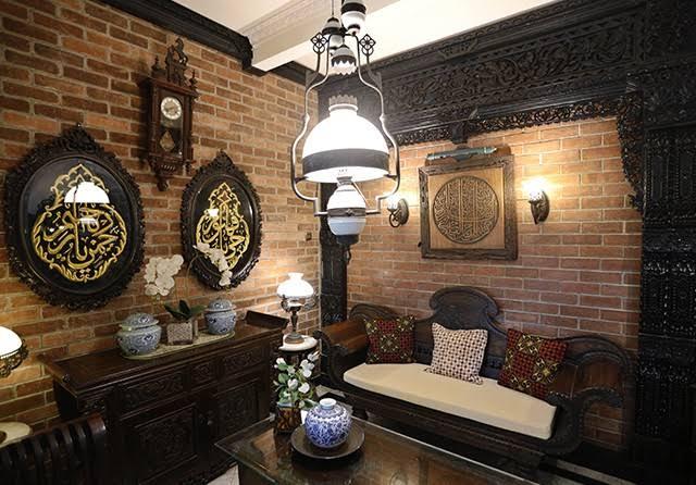Ruang tamu gaya jawa klasik