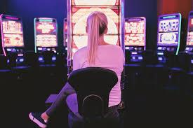 Online casino games: Live dealer VS RNG - Exposed Magazine