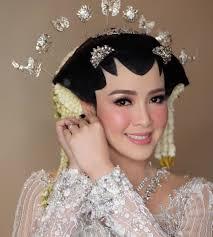 make up natural dalam pernikahan adat