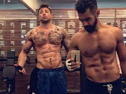 Duncan James shows off incredible gym body in new pictures