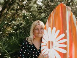 Artist and surfer Addie Gibson shares hope through her surf-inspired  paintings | News Break