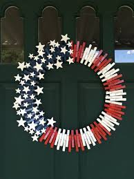 24 inch wreath frame with red white