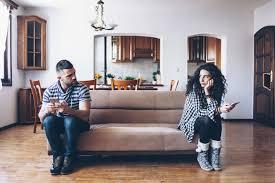 3 major signs of an emotional affair