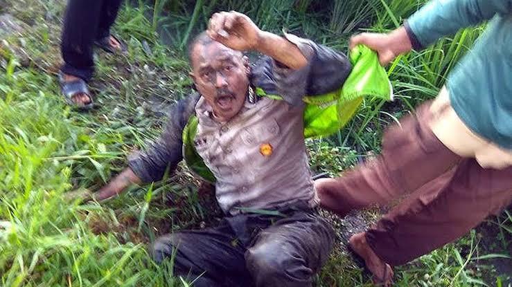 """Hasil gambar untuk Begal Nyamar Jadi Polisi, Babak Belur Dihakimi Warga di Pematang Sawah Kepanjen Jatim"""""""