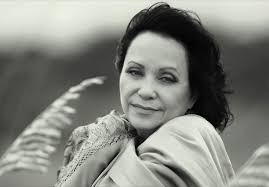 Adriana Barraza : WALLPAPERS For Everyone