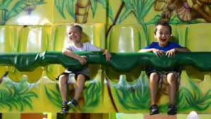 Tips for vacationing with friends — and their kids
