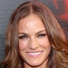 Kelly Overton - Bio, Facts, Family   Famous Birthdays