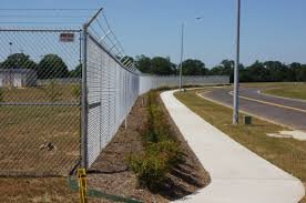 What S The Difference Between Vinyl And Steel Chain Link Fencing
