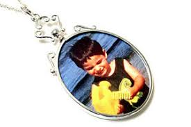 oval double sided photo frame pendant