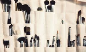 there diffe types of makeup artists