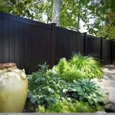 Illusions Pvc Vinyl Fence Photo Gallery Illusions Fence Vinyl Fence Fence Design Painted Wood Fence