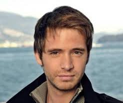 Aaron Stanford Biography - Facts, Childhood, Family Life ...