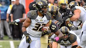 Missouri players take stand on racial issue - Los Angeles Times