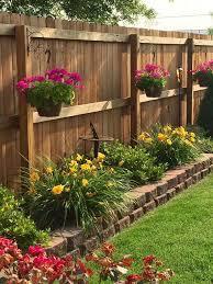 40 Astonishing Garden Fence Decorating Ideas To Follow Small Backyard Gardens Backyard Decor Small Backyard Landscaping