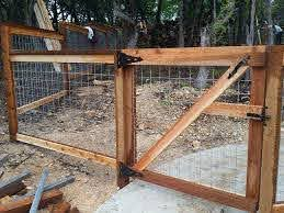 Cedar Cattle Panel Fence With Gate Cattle Panels Cattle Panel Fence Livestock Fence