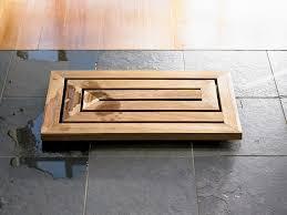 heat of teak bathroom furnishings