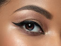 apply liquid liner with lash extensions