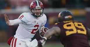 Wisconsin QB Joel Stave has plenty of experience, newfound confidence -  Chicago Tribune