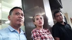 Laporan Kasusnya dengan Elza Syarief dan Polly Kelly Tengah Berjalan,...