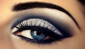 eye makeup ideas for a blue dress