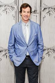 Rob Huebel to guest star on season 2 of Married   EW.com