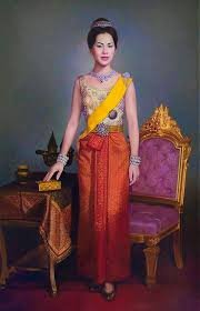 Pin by ณัฏฐ์ นาภูมิ on สมเด็จพระนางเจ้าสิริกิติ์ พระบรมราชินีนาถ  พระบรมราชชนนีพันปีหลวง | Thai traditional dress, Queen sirikit, Thai dress