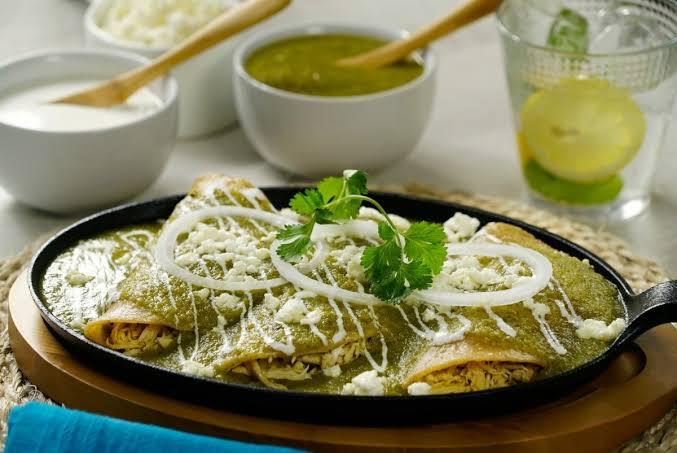 plato en enchiladas