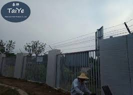 Pvc Coated Barbed Wire Fence Post Single Or Double Support Customized Size