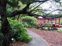thinking of a botantical garden wedding