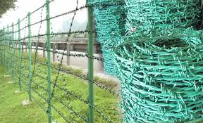 Green Pvc Coated Galvanized Steel Barbed Wire Fencing