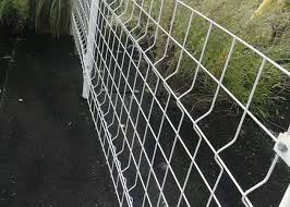 Eco Friendly Welded Mesh Fencing Pvc Coated 3 D Curved Garden Wire Mesh Fencing