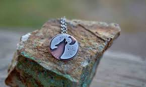50 meaningful necklaces for guys you