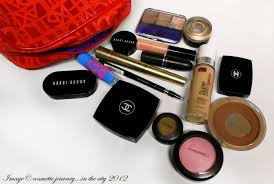 things to carry in your makeup bag