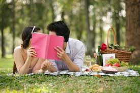 10 romantic spanish poems to warm your