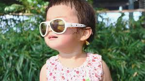 赤ちゃんのサングラスっていつから始めればいいの?」おすすめの時期をご紹介。|babybaby (ベイビーベイビー)