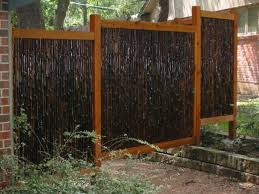 Unique Privacy Fence Ideas Many Materials And Styles Below Are A Few Out Of The Box Ideas Bamboo Fence Diy Garden Fence Fence Landscaping