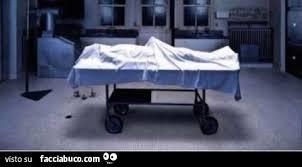 Cadavere con erezione - Facciabuco.com