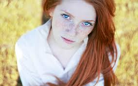 eye makeup for red hair blue eyes