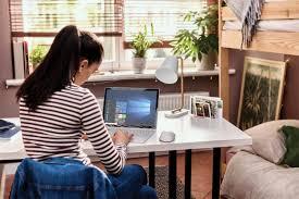 Jak školy dokážou rychle začít vyučovat online pomocí Microsoft Teams -  Microsoft News Center